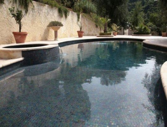 Ophit comment choisir la couleur de sa mosa que piscine for Piscine mosaique noire